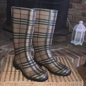 Burberry Rainboots size 36EU about 6.5
